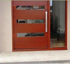 otro modelo de puerta exterior combinado de madera y cristal