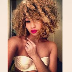 Miss my super blond hair My Hairstyle, Afro Hairstyles, Hairdos, Love Hair, Big Hair, Gorgeous Hair, Curly Hair Styles, Natural Hair Styles, Pelo Natural