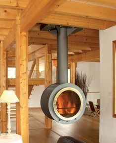 Colin & Justin: Give Style to Your Chalet Modern Fireplace, Fireplace Design, Cooking Stove, Stove Fireplace, Rocket Stoves, Diy Fire Pit, Wood Burner, Shipping Container Homes, Home Decor