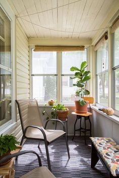 House Tour: A Cozy & Creative DIY Minneapolis Retreat | Apartment Therapy