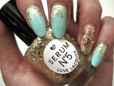 Mani Inspiration: Reverse glitter gradient and gold accent nail using Serum No. 5 Girl's Gotta Eat