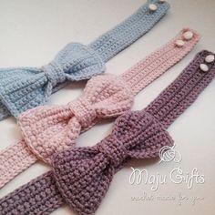 Chat Crochet, Crochet Bows, Crochet Crafts, Crochet Flowers, Crochet Stitches, Crochet Projects, Crochet Patterns, Crochet For Dogs, Free Crochet