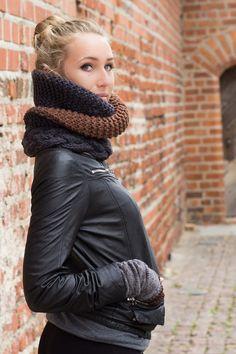grey braun knitted cowl