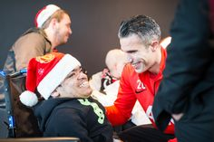 Robin van Persie meets a Reds fan at the @manutd Dream Day.