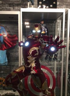 Iron Man Collectible statue 1/4 format!   With light up function.  Best Iron Man Statue till date.