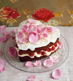 Fiona Cairns heart cake