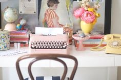 I want a pink typewriter + a yellow phone!!