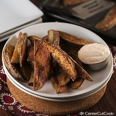 Crispy Potato Wedges with Garlic Dipping Sauce