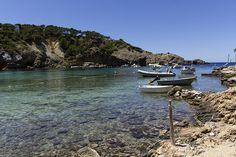 Barcas y barquitos (Cala Vedella/Ibiza)