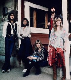 Fleetwood Mac - the good 'ole days! This is where my love of music started, listening to my Mom's Fleetwood Mac and Neal Diamond albums! Music Love, Rock Music, My Music, Music Stuff, Amazing Music, Lindsey Buckingham, Buckingham Nicks, Stevie Nicks Fleetwood Mac, Best Rock