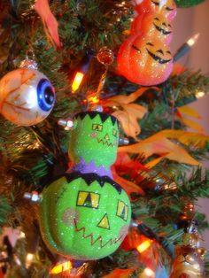 halloween ornaments i like the eyeballs out of regular ornament balls - Halloween Tree Ornaments