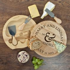 Personalised Cheese Board and Knives Set - Personalised Mr and Mrs Classic Cheese Board Set with Cheese Knives- Perfect Gift or Present for Wedding
