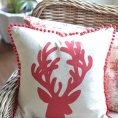 reindeer Christmas pillow - Homejoy
