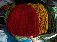 Empress Anne's Creations: New Crochet Cable Beanies!!