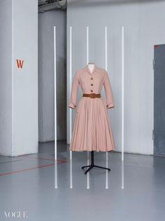 파리 의상 장식 박물관에서 열린 1950년대 복식 전시 - BACK TO THE 50S 웹사이트 palaisgalliera.paris.fr
