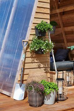 Driverhus - en funktionel oase - #SILVANDIY Homemade, Plants, Home Made, Flora, Diy Crafts, Do It Yourself, Plant