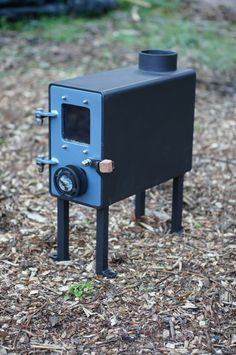 kiwi - Bespoke woodburning stoves and Bow top caravans Wood Stove Heater, Diy Wood Stove, Small Wood Burning Stove, Wood Burning Heaters, Jet Stove, Stove Oven, Shop Heater, Diy Kitchen Storage, Stove Fireplace