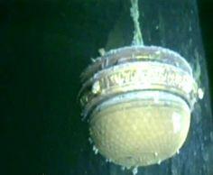 Light on Titanic wreck