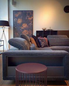 @boconcept_steglitz Boconcept, Sofa Design, The Hamptons, Sofas, Lounge, Couch, Throw Pillows, Bed, Sofa Ideas
