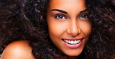 Maquiador lista 5 dicas preciosas para a make perfeita em peles negras