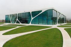 Leonardo Glass Cube of Bad Driburg Organic Architecture, Architecture Design, Restaurant Exterior Design, Organic Glass, Glass Cube, Interactive Design, Urban Design, Pavilion, Facade