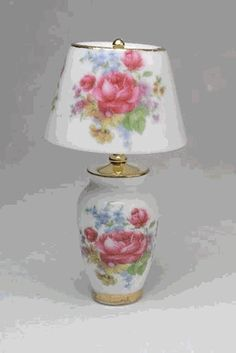 Floral vase base lamp- this is in my doll house now. Still looking for just the right bedroom set. I would love this in the bedroom.