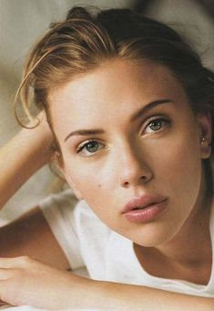 Scarlett Johansson. (it should be considered illegal to be that pretty. it's not fair....)