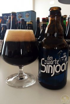 24-Jul-2015 : Den Zwarte Sinjoor by Huisbrouwerij 't Pakhuis. Nice dark bitterness. A very nice aftertaste. #ottbeerdiary