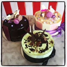 Do you need a last minute birthday cake??Or a dessert to share?? Our cake fridge is loaded up with variety of delicious cakes and desserts!! Make sure you come in an get yours today before they are all gone! Open till 5.30! Xx 2Tarts #2tartsbaking #eat3280 #cakes #dessert #birthdaycake  #getyourstoday by 2tartsbaking
