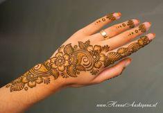 Floral Henna Strip | by Henna Aashiqana (henna-artist)