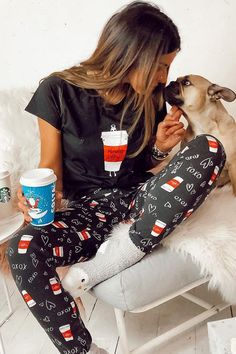 Looking for a new pair of pajamas this winter? Check out these 25 holiday pajama ideas! - Plus Size Pajamas for women - Ideas of Plus Size Pajamas for women Pajamas All Day, Cozy Pajamas, Pajamas Women, Pyjamas, Cute Christmas Pajamas, Holiday Pajamas, Pajamas Winter, Lazy Day Outfits, Cute Comfy Outfits