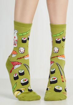 Say What You Sushi Socks in Olive. Afternoon lunch is perfectly playful when you sport these sushi-patterned socks at the table! Funky Socks, Crazy Socks, Cute Socks, My Socks, Book Socks, Novelty Socks, Novelty Print, Quirky Fashion, Punk Fashion