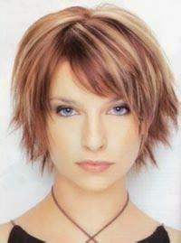 Popular Short Haircuts with Bangs Nis 2017 admin Neue Frisuren 0 One thing for sure bangs is the perfect way to change your style without chan. Short Hairstyles 2015, Popular Short Haircuts, Short Haircuts With Bangs, Long Hair With Bangs, Short Hair Cuts For Women, Cool Hairstyles, Haircut Short, Layered Hairstyles, Hairstyle Short