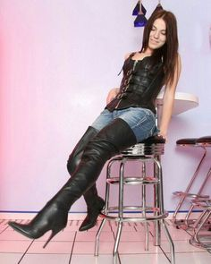 High Heel Shoes: The Essential Woman's Fashion Accessory Thigh High Boots, High Heel Boots, Over The Knee Boots, Heeled Boots, Black Leather Corset, High Leather Boots, Hot High Heels, Sexy Heels, Crotch Boots