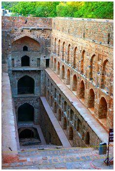 Must visit place: Agrasen ki Baoli - New Delhi