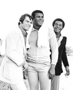 Robert Urich, Muhammad Ali and Clifton Davis Muhammad Ali Fights, Muhammad Ali Boxing, Float Like A Butterfly, Hometown Heroes, Tennis Quotes, George Foreman, Ali Quotes, Sports Figures, Winter Olympics