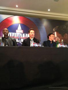 Croiser Robert Downey Jr. pour Captain América : Civil War, ça, c'est fait. http://place-to-be.net/index.php/cinema/en-salles/4340-captain-america-civil-war-realise-par-anthony-et-joe-russo