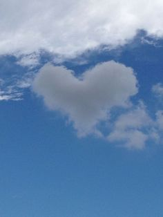 -Not photoshopped- Just like my bany, this Heart-shaped cloud was flying over the Okinawa sky while we were on the phone. ☁
