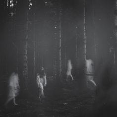 Atmospheric black and white portraits by Deborah Sheedy
