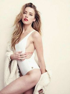 Hottest Amber Heard bikini pictures and sexiest images of the Aquaman actress. While we are talking about her performances and the actress as a whole, we want to now take you on a ride through an Amber Heard photo gallery. Amber Heard Bikini, Fotos Amber Heard, Amber Heard Hot, Beautiful Celebrities, Beautiful Actresses, Ambre Heard, Hot Blondes, Hot Actresses, Dame