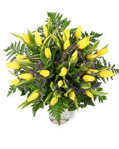 Îţi doreşti un buchet vesel și fresh pentru o persoană jovială? Floriştii noştri recomandă un buchet cu lalele galbene şi verdeaţă asortată. Indiferent de sezon, acest buchet aduce primăvara în sufletul persoanei care îl primeşte! Comandă flori online şi surprinde pe cineva drag cu un buchet revigorant. #tulips #yellowtulips #lalele #bucheteonline #livrareflori Magnolia, Plants, Magnolias, Plant, Planets