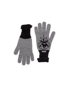 Handschuhe Vdp Club Damen auf YOOX.COM. Die beste Online-Auswahl von of Handschuhe Vdp Club. YOOX.COM exklusive Produkte italienischer und internationaler Designer – Sichere Zahlung – Kostenlose Rückgabe