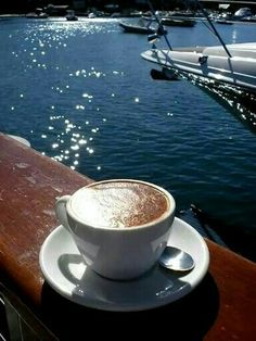 707276316459993168 Solo Female Travel The listed top cheapest cities in Europe to visit on a budget. Also get a complete destination based tips and guidelines to enjoy budget travel in Europe. Coffee Zone, Coffee Talk, I Love Coffee, Coffee Break, My Coffee, Coffee Drinks, Morning Coffee, Coffee Shop, Coffee Cups