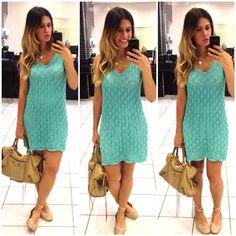 vestido crochê turquesa