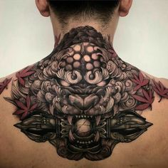 Discover recipes, home ideas, style inspiration and other ideas to try. Back Tattoos For Guys Upper, Neck Tattoo For Guys, Back Of Neck Tattoo, Japanese Tattoo Art, Japanese Tattoo Designs, Japanese Sleeve Tattoos, Chinese Tattoos, Backpiece Tattoo, Irezumi Tattoos