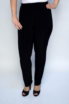 Myriam fekete   Nadrág   fiori fashion Capri Pants, Fashion, Moda, Capri Trousers, Fashion Styles, Fashion Illustrations