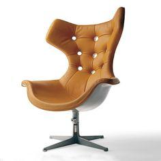 Poltrona Frau Regina chair