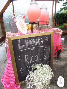 Mesa de limonada, limonada rosa, lemonade table, lemonade corner, paniculata