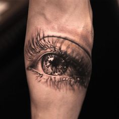 realistic eye by niki norberg, tattoo