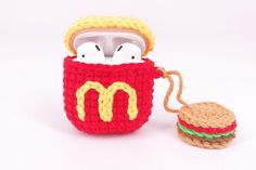 Personalized Initial Crochet Airpods Case Cover with Mini Burger Keychain , Handmade Knitted Accessories Crochet Case, Crochet Food, Crochet Crafts, Crochet Dolls, Crochet Projects, Quick Crochet Patterns, Crochet Mobile, Airpod Case, Crochet Accessories